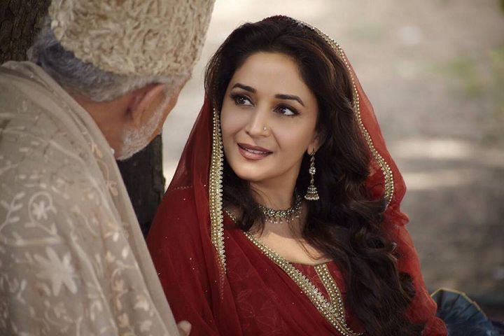 First Look of Madhuri Dixit from Dedh Ishqiya