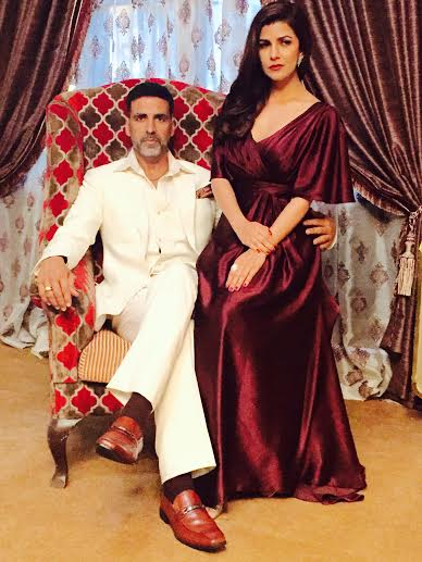 Airlift First Look Ft Akshay Kumar, Nimrat Kaur