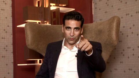 Akshay Kumar wins Outstanding Achievement in cinema in Asian  Awards 2011