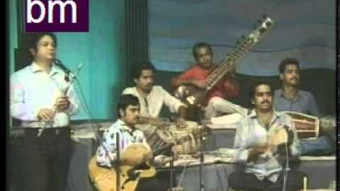 Blast from the Past: Shah Rukh Khan hosting TV Show and Kumar Sanu Singing