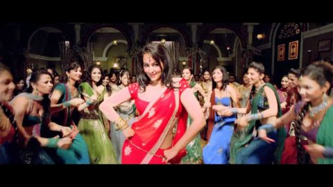 Chamak Challo Chel Chabeli Song from Rowdy Rathore
