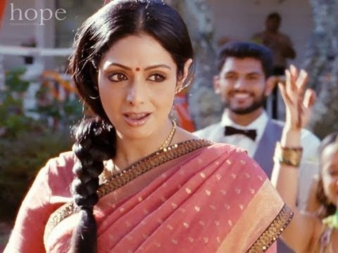 Navrai Maajhi Song – English Vinglish