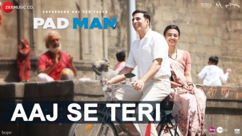 Aaj Se Teri Song from Padman ft Akshay Kumar, Radhika Apte